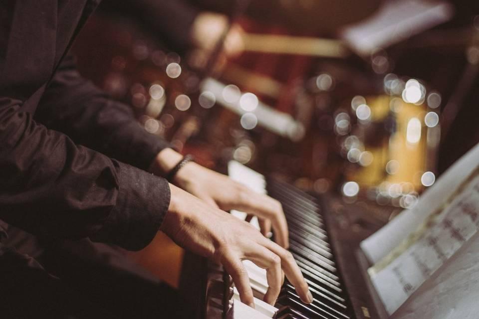 Iker - pianista