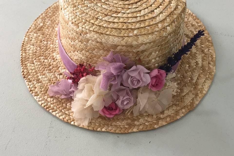 Canotier de flores romántico