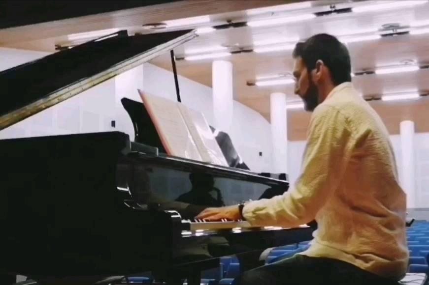Manu Sampedro - Pianista