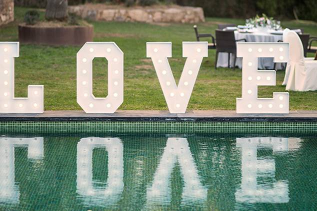 Letras con luz para bodas