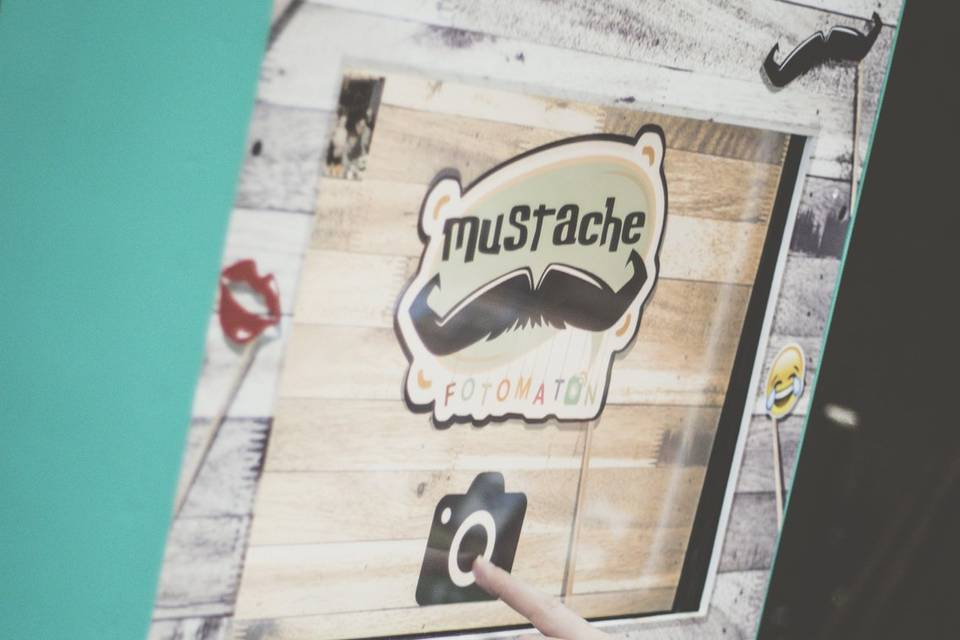 Mustache Fotomatón
